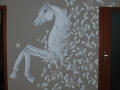 Artystyczne malowanie ściany