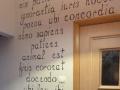 Napisy po łacinie w kancelarii prawnej