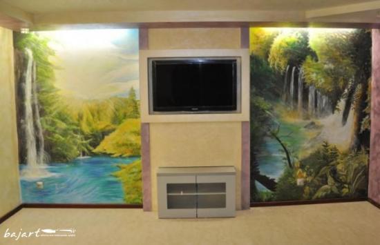 Artystyczne malowanie ścian- wodospady