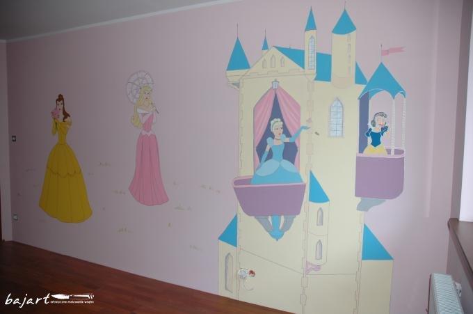 Bajkowy zamek na ścianie