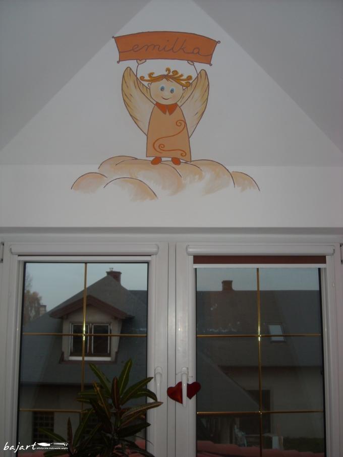 Aniołek nad oknem