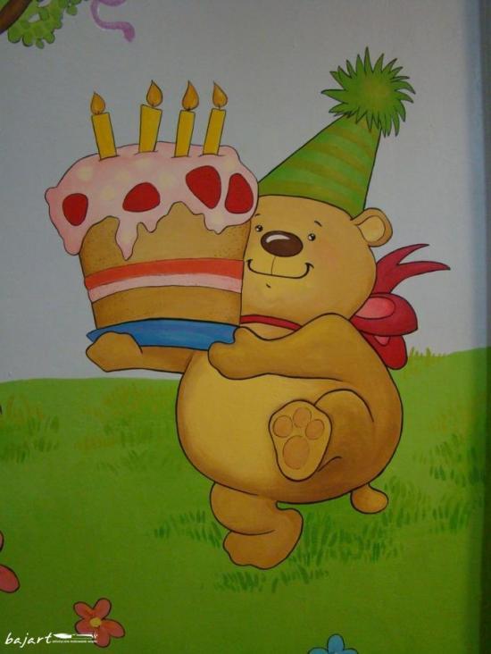 miś z tortem
