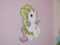 Kucyk pony w pokoju dziecka